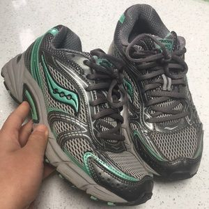 teal & grey pair of saucony running shoes size 6.5